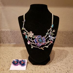 NWT Betsey Johnson Butterfly Flower Necklace Set